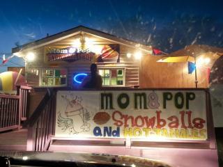 Mom & Pop Snowball Shop